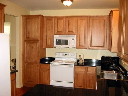 How to clean kitchen cabinets using murphy soap cabinets for Best cleaning solution for greasy kitchen cabinets