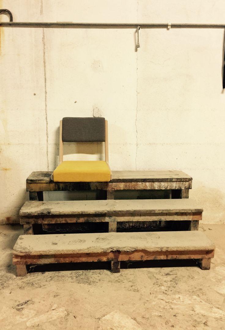 Custom Floor Chair. Freestanding. Lab83 Selection.