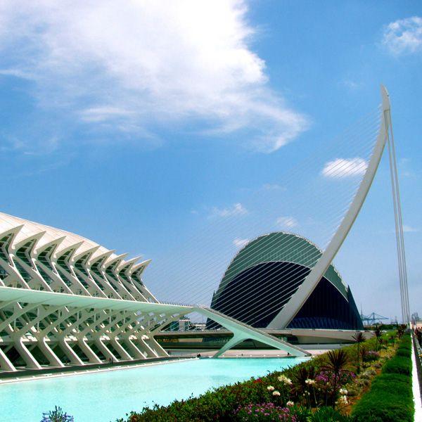L'Agora y Pont de l'Assut de l'Or Valencia