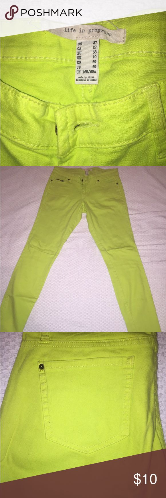 Forever 21 Neon Greenish-Yellow Skinny Jeans These cute neon jeans are a staple to any wardrobe. Nice summer jeans! Size 27 Forever 21 Jeans Skinny