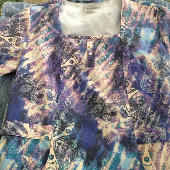 Grey's anatomy scrub top Lovely blues and lavender Grey's Anatomy scrub top.  Size S Greys anatomy Tops