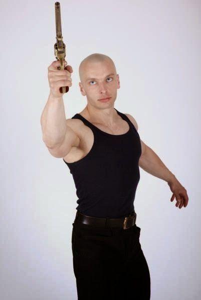 3D human referenses: Rafael Pistol Aiming Side