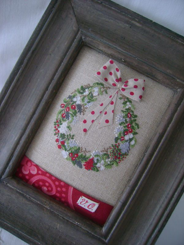 Cute way to fill a frame when the stitching isn't even all the way around...very clever idea!!