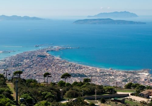 Easter holidays in Sicily: A destination without equal for those looking for a cultural holiday. #sicily #easter #offers