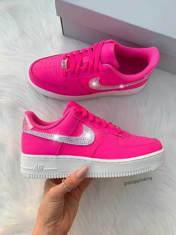 Mentor Aire acondicionado monstruo  Brand New in Box Authentic Blinged Womens Nike Air Force 1 Low Shoes. Nike  Swoosh is customized with fabulous Sw… | Pink nike shoes, Nike air shoes,  Cute nike shoes