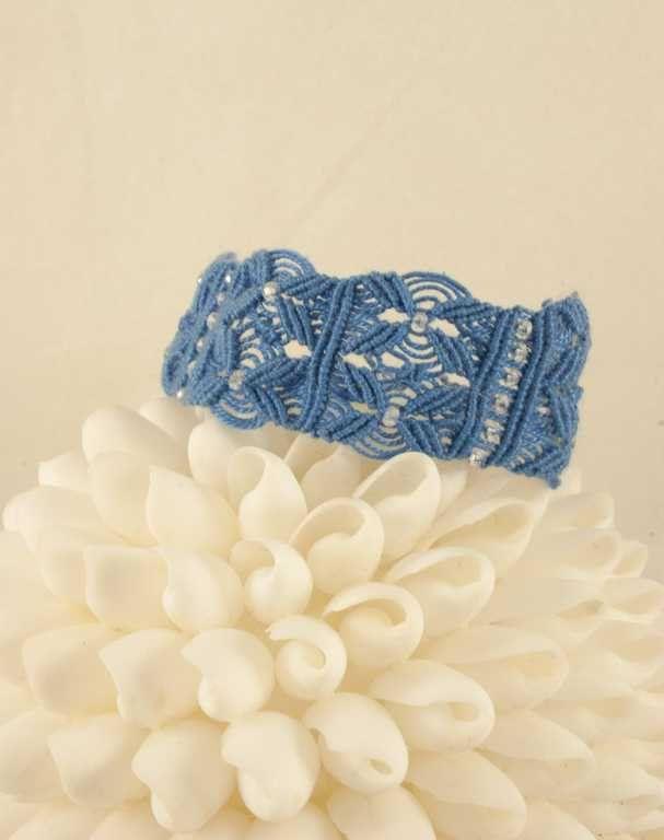 Macramè bracelet in cotton with swarovski.Adjustable waxed cord. Made in Italy di caryhandmade su Etsy