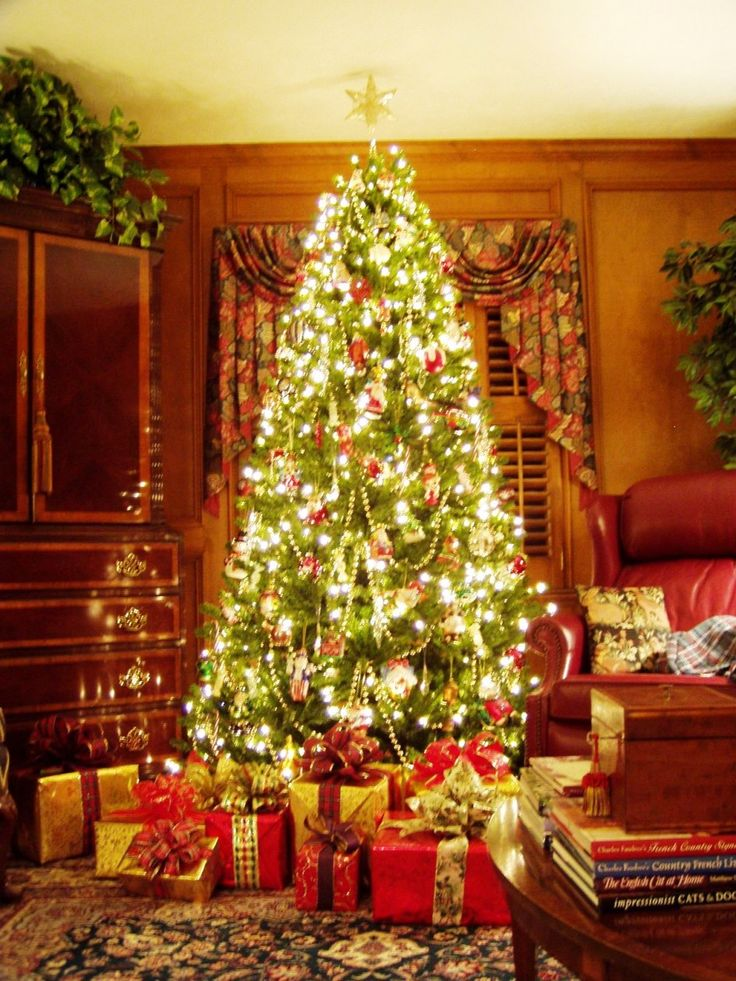 Decoration Most Beautiful Christmas Decorated Homes: Glowing Living Room  With Sparkling Christmas Tree Wreath Window With Elegant Interior Design  With ...