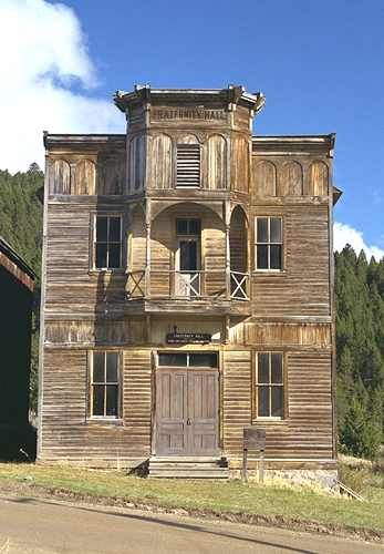 montana+ghost+towns | Many of Elkhorn's cabins have been reoccupied. The Fraternity Hall ...