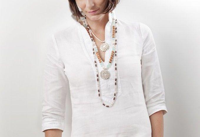 Afin que vous puissiez de nouveau sortir du placard vos vêtements blancs, voici quelques astuces pratiques.  Découvrez l'astuce ici : http://www.comment-economiser.fr/taches-jaunes-sur-linge-blanc.html