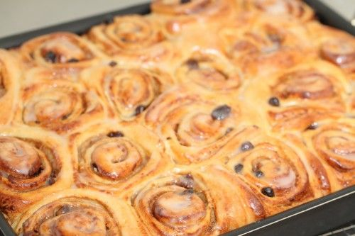 Sunday morning cinnamon buns… deluxe | Weekend Bakery