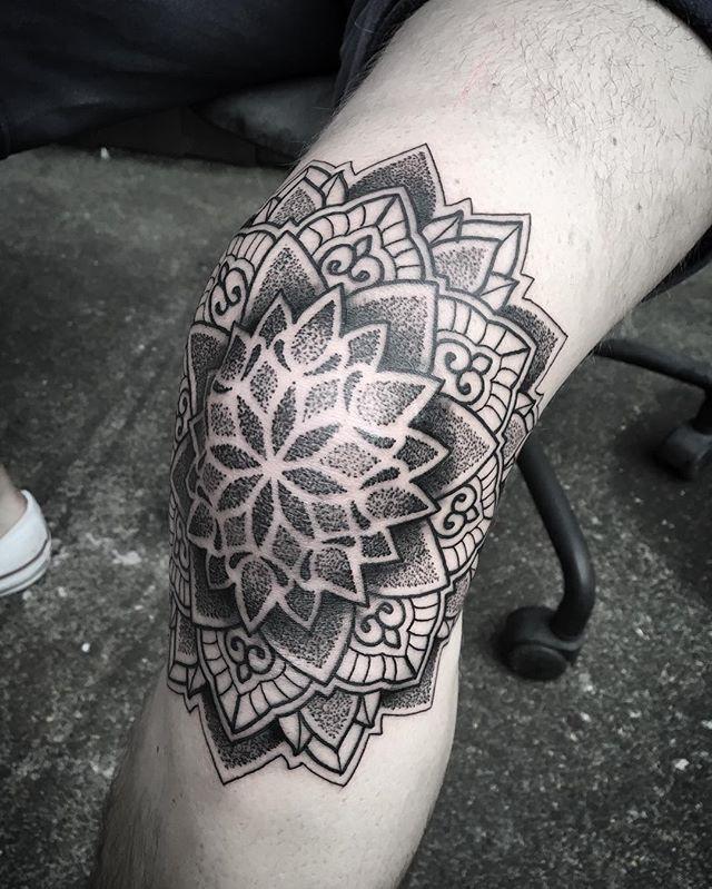 WEBSTA @ bintt - Soz about your knee Ricky! #tattoo#tattoos#uktta#blackworkerssubmission#blacktattooart#blacktattoomag#btattooing#blackwork#blxckink#dotwork#silverbackink#tattoolookbook#inkedmag#tattoolifemagazine#skinartmag#mandalatattooartists#london#southend#patternworkerssub#blackinkedart#taot#bint#procreate#amaziograph#iblackworkers#mandala