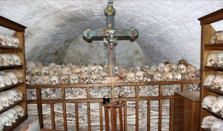 Οστεοφυλάκιο της Ιεράς Μονής Σίμωνος Πέτρας - Ossuary of the Holy Monastery of Simonopetra