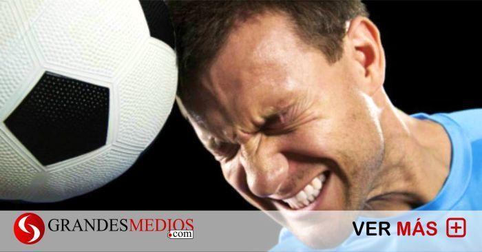 Jugar fútbol podría causar demencia, advierten científicos   Grandes Medios https://link.crwd.fr/1peG