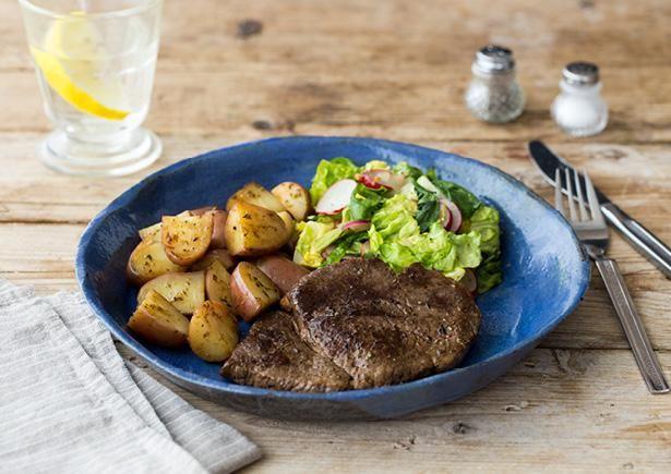 Biefstuk met roseval aardappelen en salade