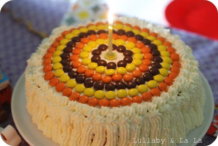 Lullaby & La La: 1 års fødselsdag med retro lagkage