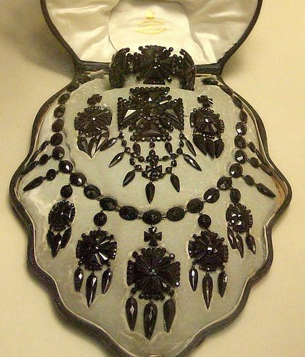 A rather grand mourning jewelery set made from Whitby jet - courtesy of the British Museum.