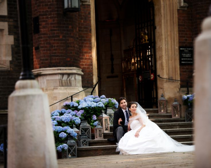 Wedding couple outside Middle Temple Hall