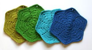 Break out of the box with these crocheted Shaped Washcloths, made in kitchen cotton. Make a bunch to have on hand for quick gifts!