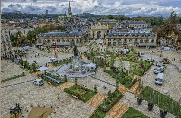 "Another view of the Stanilas Square. If you visit Nancy in October you will be lucky enough to see the beautiful ""Jardins ephemeres"" (temporary gardens)."