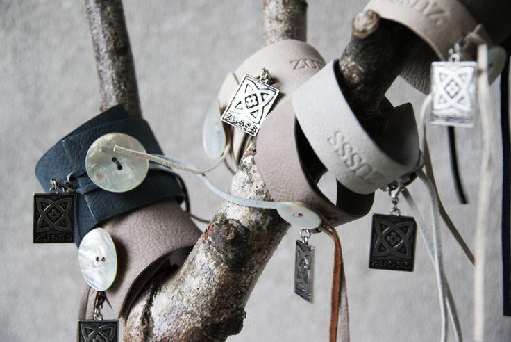 Zusss | Leren armbanden in twee verschillende maten en mooie nieuwe kleurtjes.