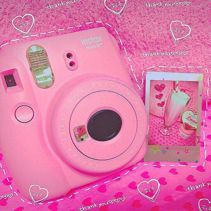 いきなりプレゼントしてくれた:....:'()':.. ..:めちゃくちゃ嬉しい ; ;  だからさっそく写真撮った( ) 本当感謝 ありがとうvv #thx#thanks#japan#チェキ#cute#pretty#love#happy#enjoy#pink#angel#good#lucky#パフェ#sweet#ceries#heart#ハート#かわいい#candle#キャンドル#myroom#room#me by babymilk96