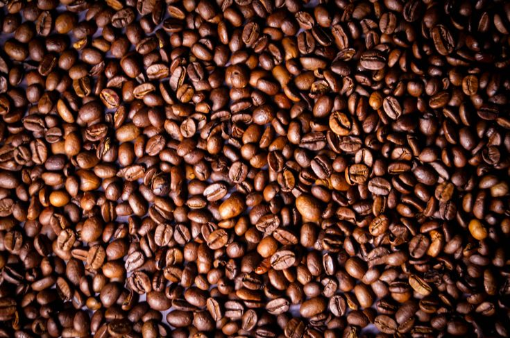 Nová studie ukazála kontroverzní vliv kávy na lidské zdraví