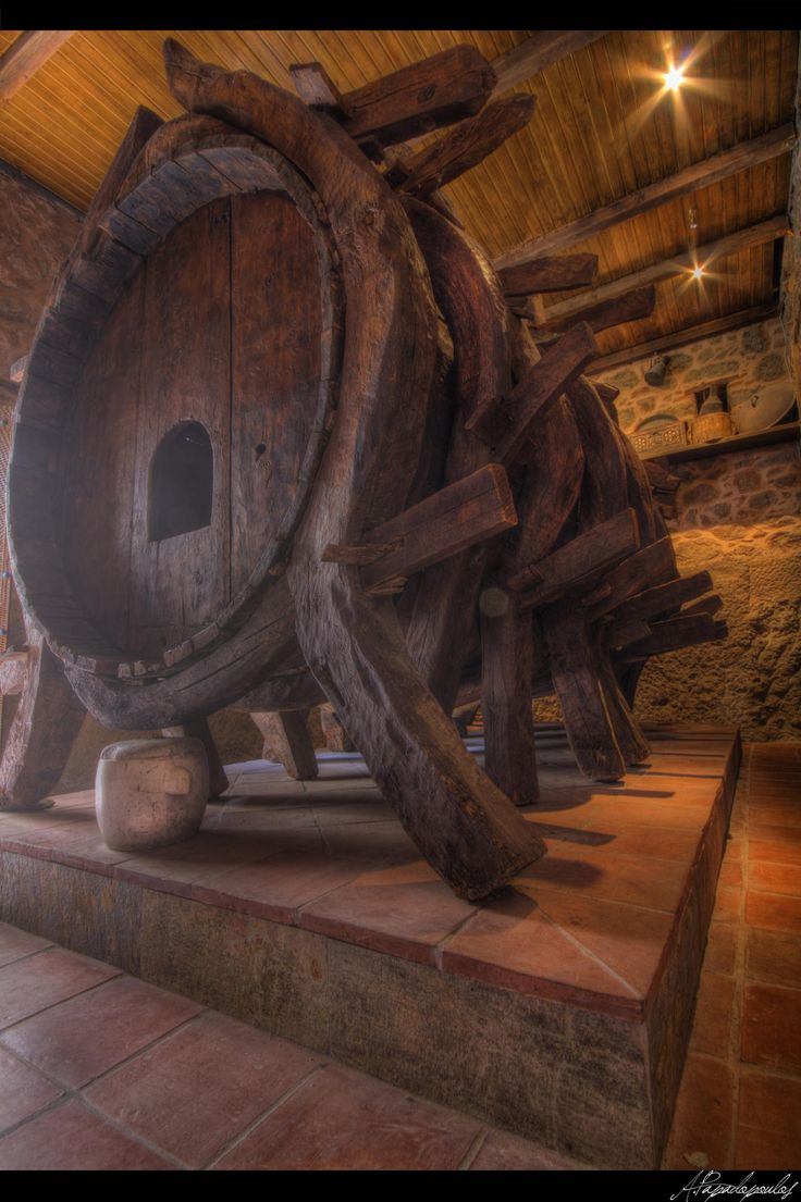 A giant barrel.Meteora - null