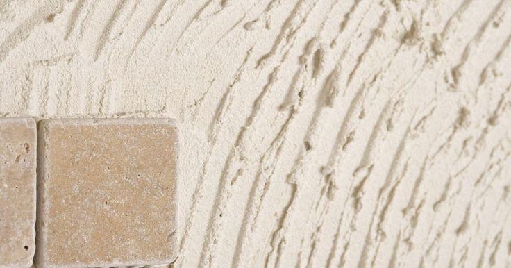 Ferramentas para retirar argamassa de baixo do azulejo. Junto com a remoção de papel de parede para os praticantes da bricolagem, a retirada de azulejo e sua argamassa pode ser uma verdadeira dor de cabeça. Em muitos casos, tirar o azulejo significa metade do trabalho. A argamassa que fica por baixo requer tanto quanto - senão mais - trabalho para ser removida. Diversas opções de ferramentas estão ...