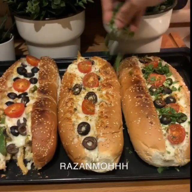 طبخه ونص New On Instagram عرض ماصار على سعر الاعلان ب ٥٠ ريال فقط خطيره وتقطر لذاذه ساندوتشات البيتزا نتبل الدجاج ب Hot Dog Buns Food Dog Bun
