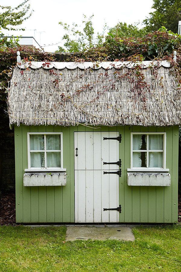 Best 25 wendy house ideas on pinterest girls playhouse for Shed roof cottage