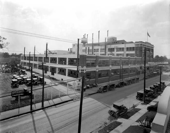 Ford Motor Company Plant at 3906 Harrisburg Houston Texas