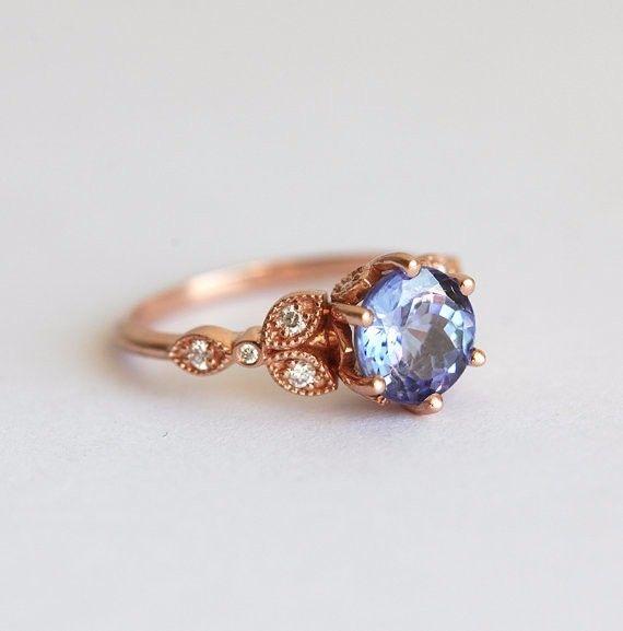 目の覚めるようなエメラルド&ダイヤモンドリング。自分用はもちろん、特別なエンゲージリング、または大切な人へのプレゼントとしてもぴったりです。商品の詳細✽ 14kローズソリッドゴールド✽ 天然エメラルド 7mm、明度VS、トリートメントなし✽ ダイヤモンド 約0.1全カラット、明度VS、色度G、コンフリクトフリー☆エメラルドで作製したリングはこちらへhttps://www.creema.jp/exhibits/show/id/3149150☆ムーンストンのバージョンも発売中です!https://www.creema.jp/exhibits/show/id/3149210【注意点】※他のストーンでも作製できますが、お値段は変更されますので、希望の方は購入前にご連絡ください。※16号以上を希望する方は、購入前にご連絡ください。━━━━━━━━━━━━━━━━━━━━━━━━━━━━━━━━━━━━━━゚・*☆ご質問があれば、遠慮なくお問い合わせください☆*・゚━━━━...
