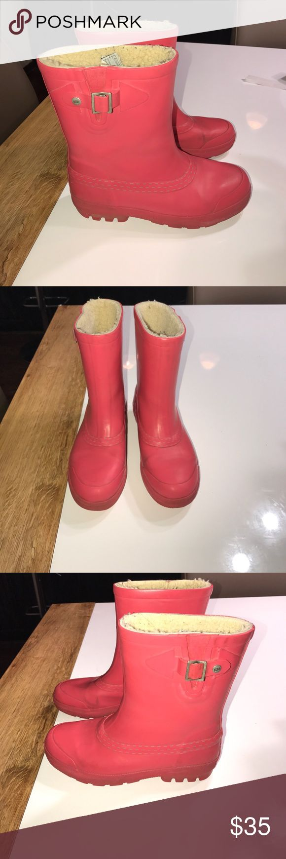 Authentic UGG pink rain boots sz 6 Authentic UGG pink rain boots sz 6 good condition have some light scuffs throughout and some light wear to Sherpa lining UGG Shoes Winter & Rain Boots