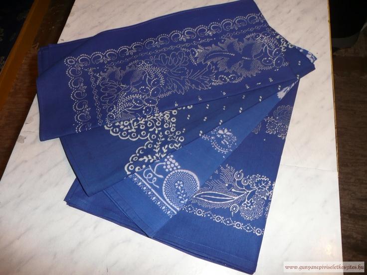 Kékfestő fejkendők