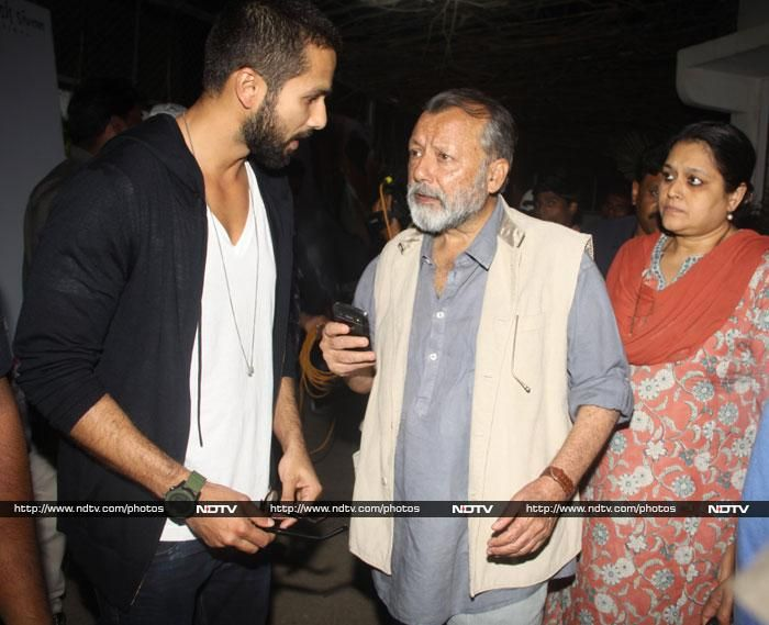 Shahid Kapoor with his father Pankaj Kapur and step mum Supriya Pathak