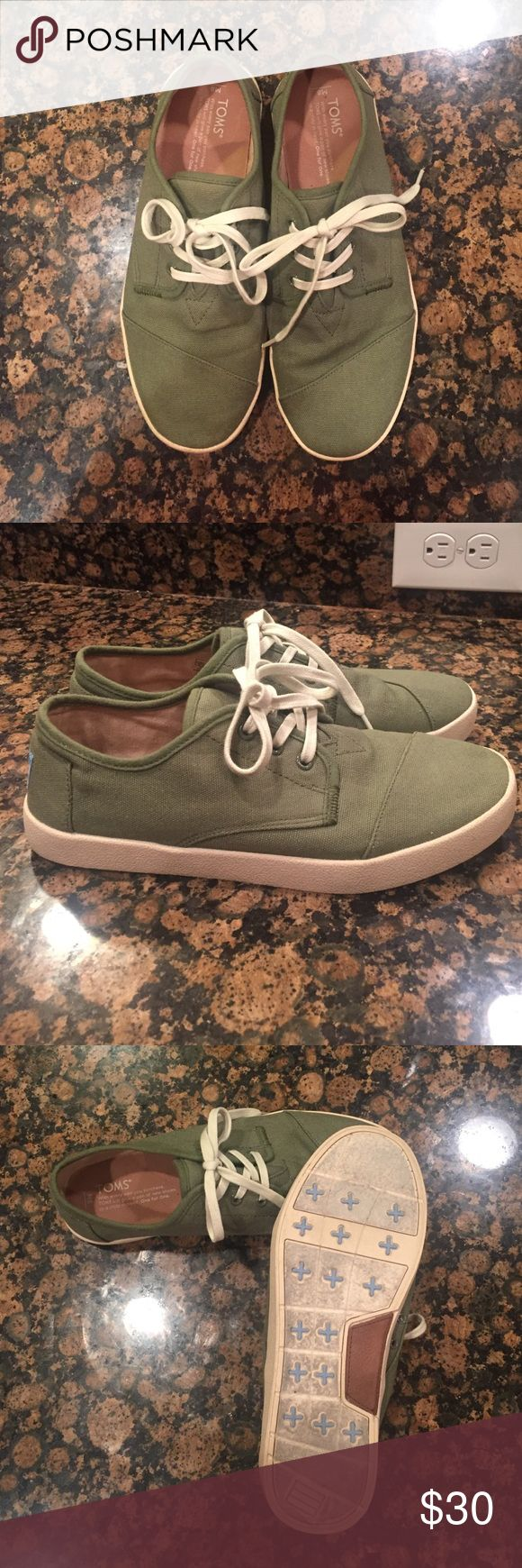 Toms sneakers Only worn 3 times. In great condition. Size 8 Shoes Sneakers