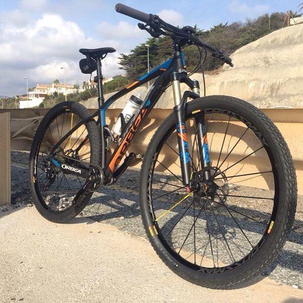 "Orbea Alma H30 2016 Encuéntrala en Bkie!  Con Ruedas Mavic SL Pro 29"" Frenos XT8000 Discos XT Cambio trasero XT8000 Shadow Monoplato XT8000 1x11v  #ciclismo #cyclingexperience #cycling #lifestyle #roadbike #bici #btt #roadbike #biker #bikelife #niner #bicicleta #bike #MTB"