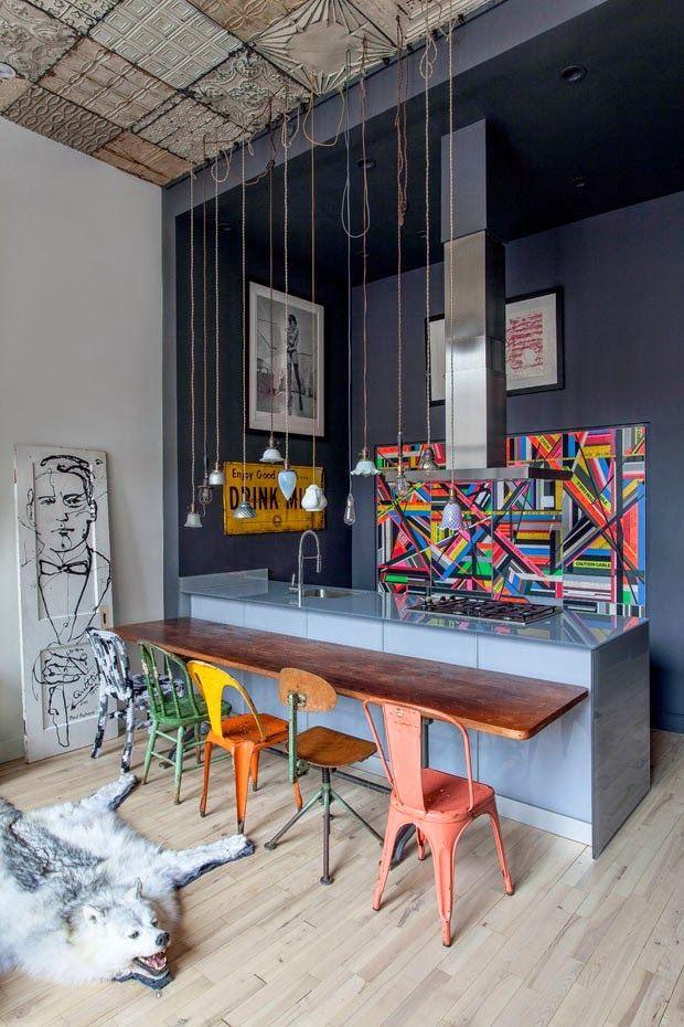 Mix de cadeiras e estilo industrial