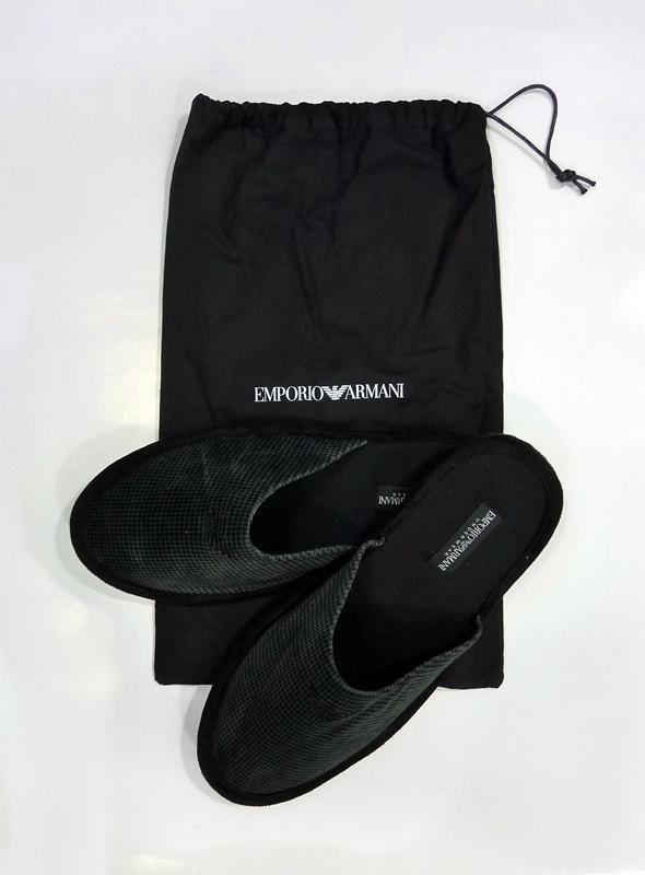 #Zapatillas #Armani de andar por casa. #Complementos.  #RopaInteriorMasculina #hombre #regalos #navidad. http://www.varelaintimo.com/79-complementos