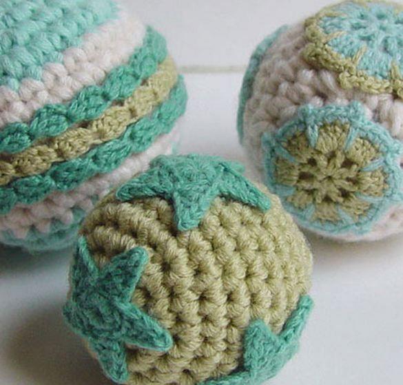 Easy Homemade Christmas Ornaments : Crochet Christmas Ornaments