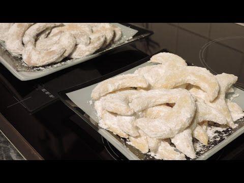 Cornulete cu vanilie si migdale - YouTube