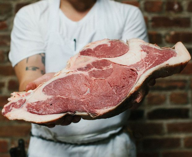 Host the Ultimate Summer Barbecue: The Best Cuts of Meat to Grill for a Crowd photo