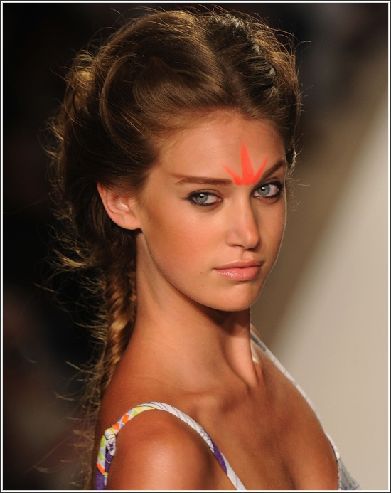 i am so loving this look! modern with a glowing complexion. MAKE UP FOR EVER brand