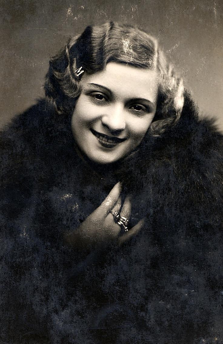 Kiss Manyi, Kiss Margit (1911-1971) Kossuth-díjas és Jászai Mari-díjas magyar színésznő