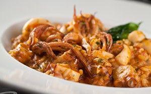 Risoto de frutos do mar tem camarão, lula, polvo e vieiras - Receitas - GNT