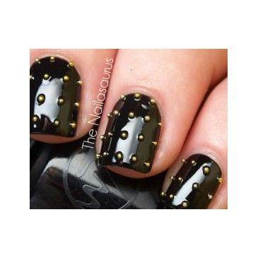 Rock je nagels met studs > Nagellak; alles over nagels, nailart, nagellaktrends, french manicure - Beauty - Styletoday