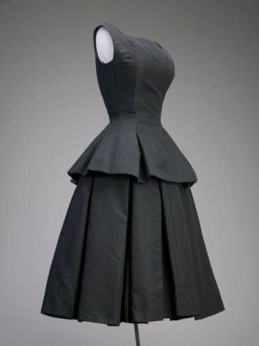 Cocktail dress, ca.1954. Silk faille. Christian Dior, Inc. Gift of Mrs. Henry D. Paschen (Maria Tallchief). 1980.142a-b