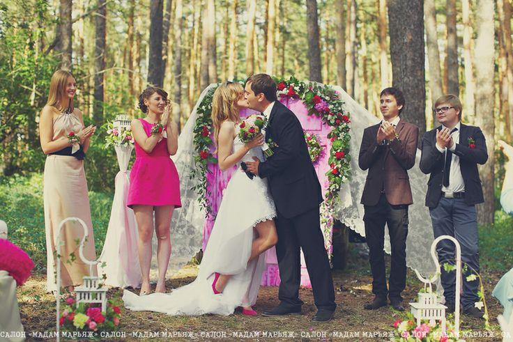 Ольга и Денис - муж и жена! Можете обменяться кольцами и поцеловать невесту!:)