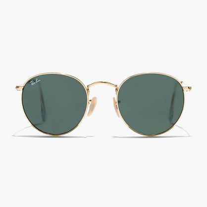 An iconic pair of rounded shades from Ray-Ban, the legendary sunglasses pioneer. The circular shape and curved brow bar are inspired by counterculture legends of the '60s. <ul><li>Metal frame.</li><li>Come with case.</li><li>Made in Italy.</li><li>Online only.</li></ul>