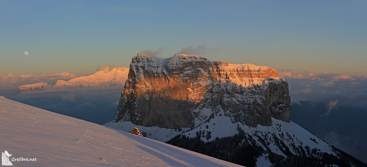 mardi 26 mars 2013: coucher de soleil et lever de lune sous l'œil du Mont Aiguille